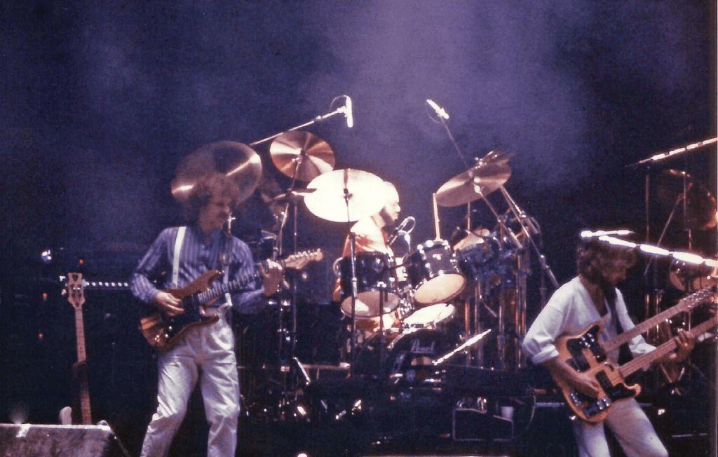 Genesis снова вместе - Музыка с Большой Буквы