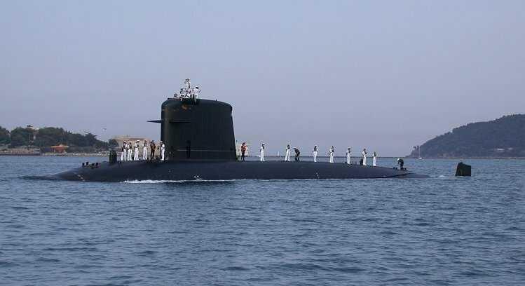 Подводная лодка «Сапфир» против авианосца «Теодор Рузвельт»