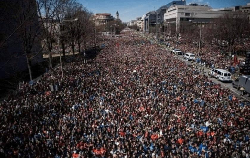 """""""Бессмысленный и беспощадный"""" американский бунт или провокация?"""