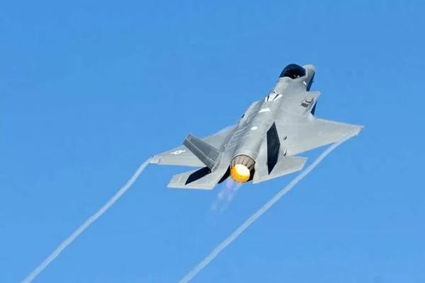 """Приговор истребителям-""""невидимкам"""" F-35 """"Lightning II"""""""